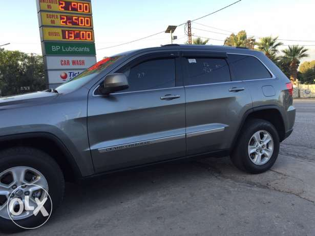 2012 extra clean grand Cherokee navigation plus rear view camera البترون -  2