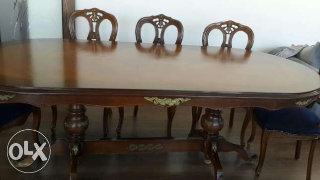 Dinning table +8 chairs