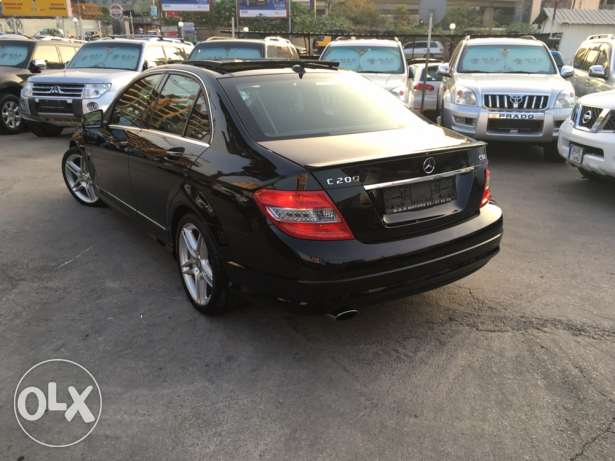 Mercedes C200 CGI 2010 Black/Black AMG Kit Panoramic Like New! بوشرية -  7