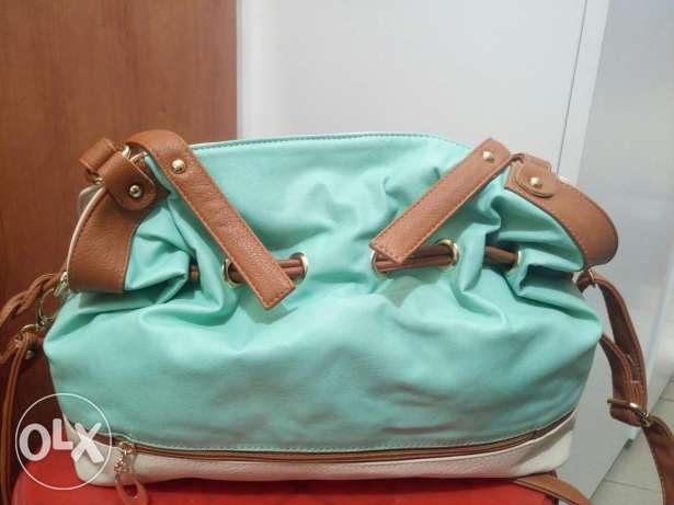 Bags for women free delivery to beirut only