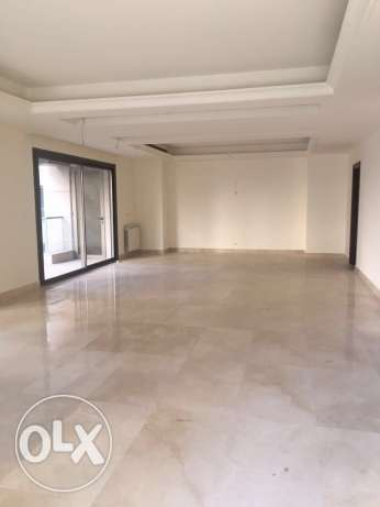 Talet Khayyat: 370m apartment for rent