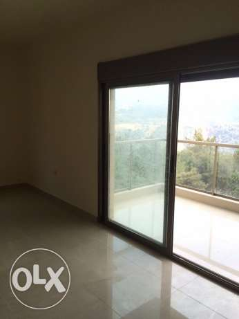 Brand new appartment with terrace in Ballouneh
