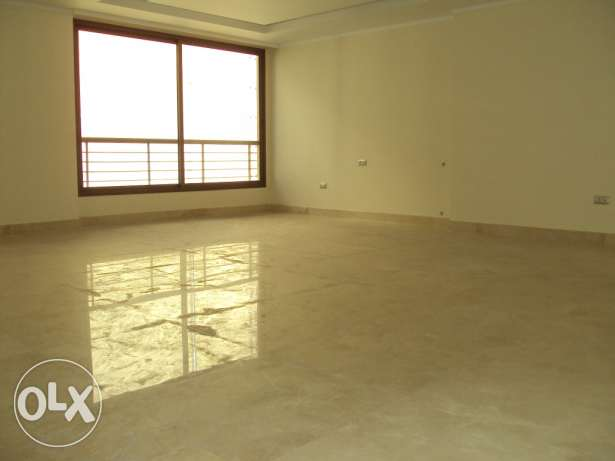 Apartment in ein el mrayseh البطركية -  4