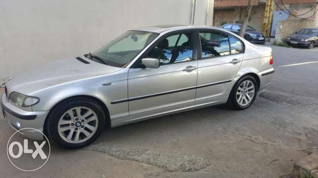 Bmw 325 i model 2002 , moter vitesse khar2ine