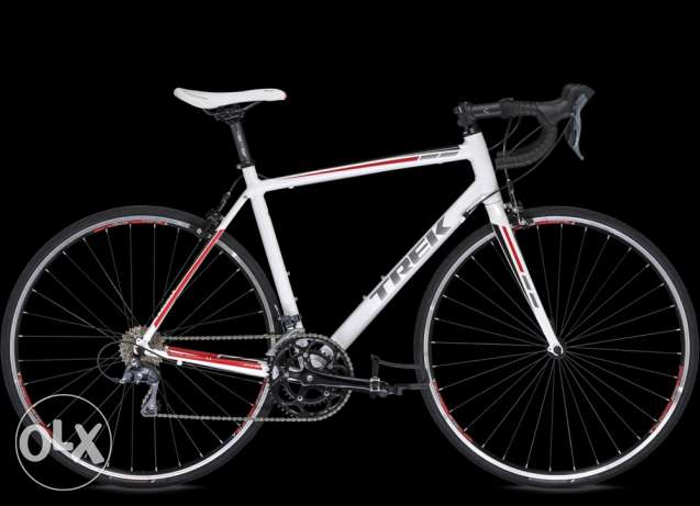 Trek 1.1 road bike with all accessories