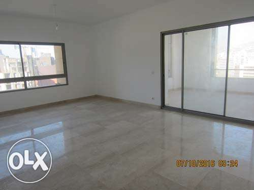 Unfurnished new Apartment For Rent Achrafieh 20th floor أشرفية -  2
