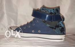 preowned stylish Converse shoes size 37