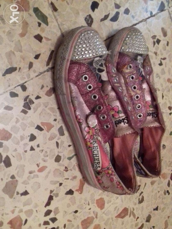 Sparkly shoes 8$