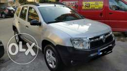 Renault duster 2014 black, excellent condition, airbags, abs,