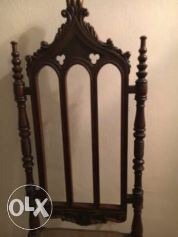 single wooden antique chair أشرفية -  2