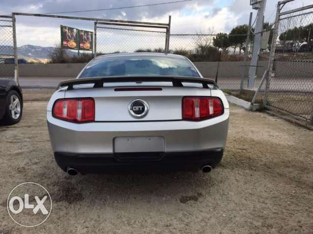 Ford Mustang 2010,manual V8,full option,super clean,law mileage