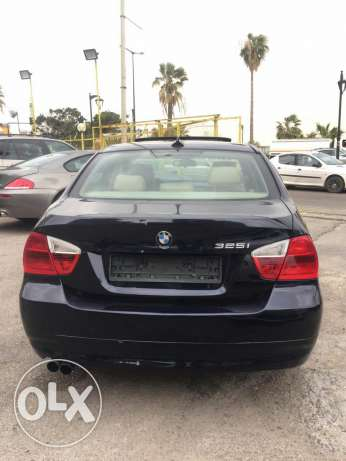 Bmw 325 full options 2006 blue black very clean