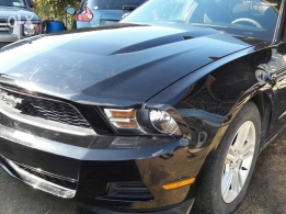 2012 Ford mustang very clean only 63000 miles