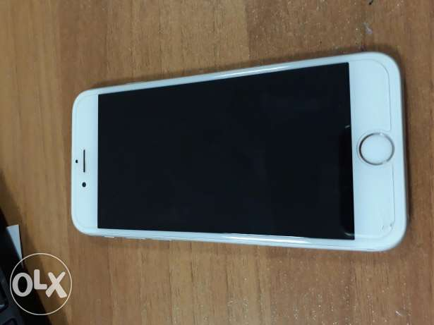 iphone 6s silver 64gb برج حمود -  2