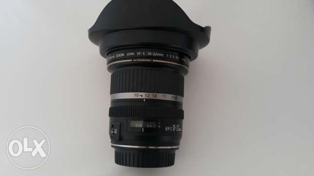 Canon 10-22 mm wide angle lens with hood and uv filter