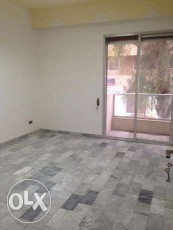 MG773, Apartment for rent in Sakiet El Janzir, 280sqm, 1st Floor.