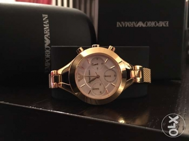 Golden EA jewelery watch for her (490$ from ABC)