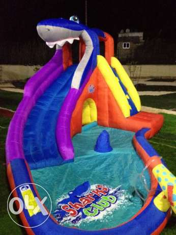 Inflatable splash slide