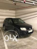 Suzuki Black Grand Vitara - limited