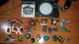 Skylander console for Ps3 with 23 characters including 3 giants