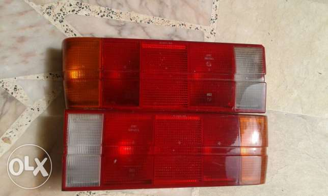 E30 right and left stop light