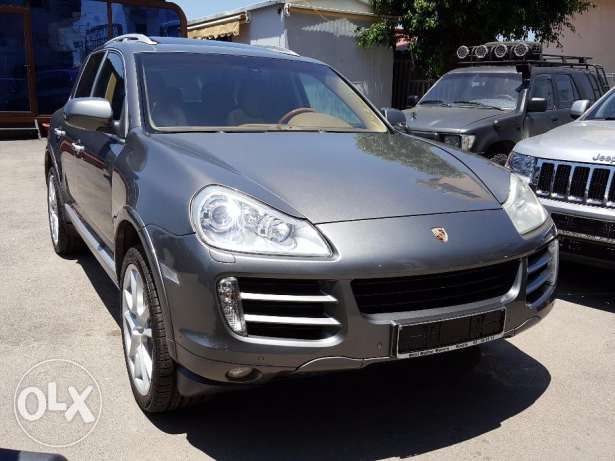 Porsche Cayenne S Fully loaded European specs Perfect condition !