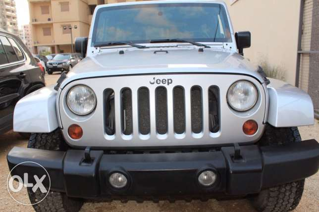 Jeep Wrangler Sahara 4wd model2008 clean carfax DF lock new tires