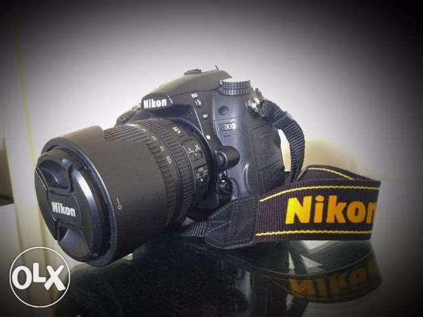 D7000 - NIKON - With Accessories