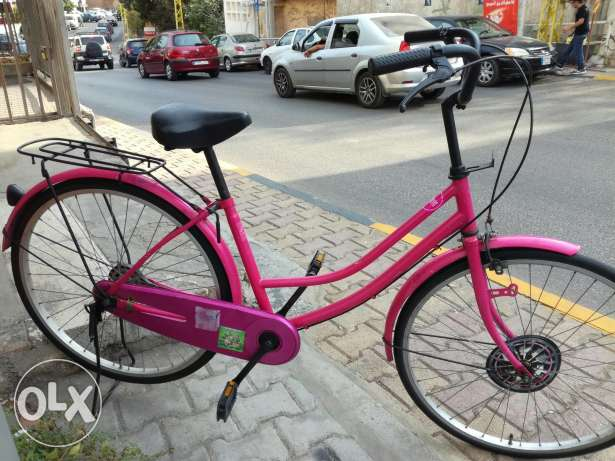 Pink italian style bicycle