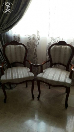 two chairs بعبدا -  1