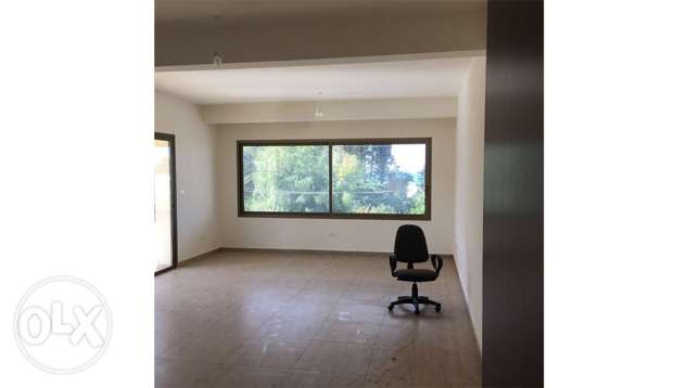 shop for rent in Amchit