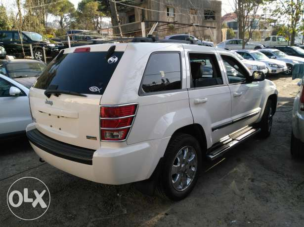 jeep grand chirockee 2008 _8 cylinder 4'7 clean carfax عاليه -  4