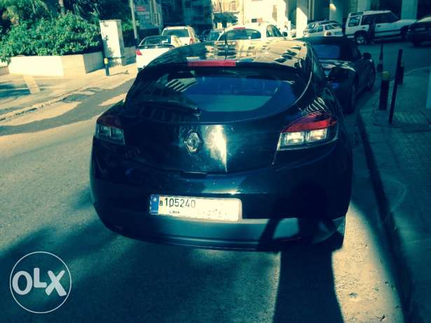 Renault Megane Coupe 2012/ Black/ Enhanced Speakers/ Great Condition أشرفية -  4