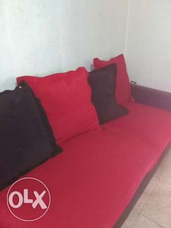 1sofa 2bed 1washind machin used but clean and working only for 800$