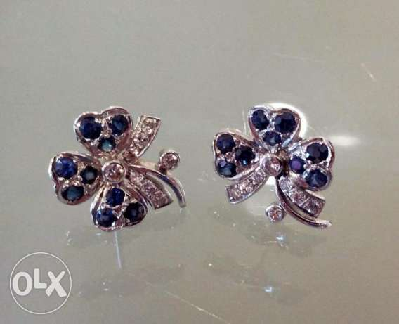 Saphire diamond and gold earrings