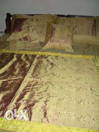 Hand-embroidered Bed Covers راس  بيروت -  1