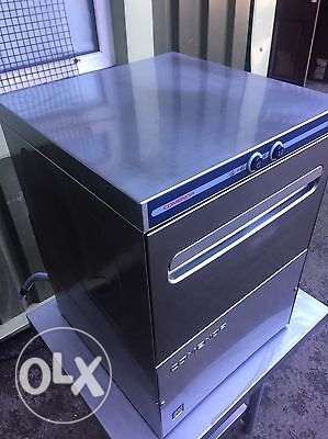 Commercial undercounter glasswasher - comenda، جلاية إيطالية ستانلس