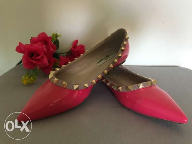 Famous brand shoes Valentino Garavani. Made in Italy . Low price