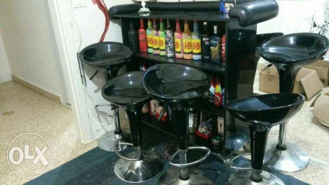 Bar and 6 chairs