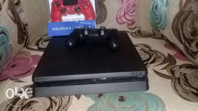 ps4 slim 500 gb like new 20 days+2 controler+fifa 2017 arabe+online