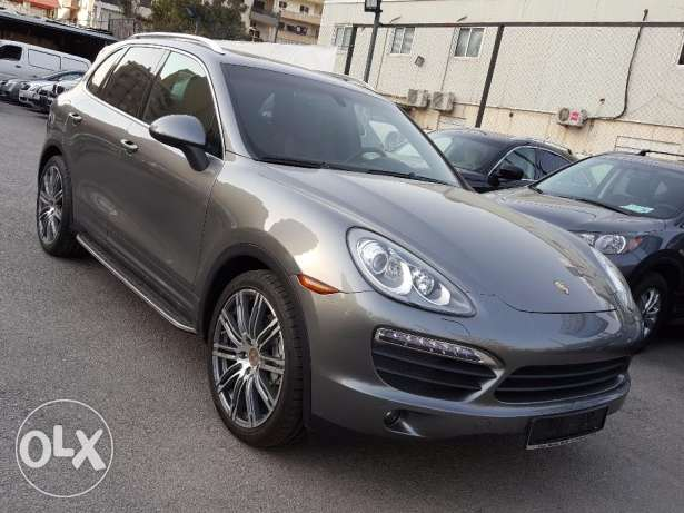 2011 Porsche Cayenne S Clean Carfax One Owner Fully loaded !