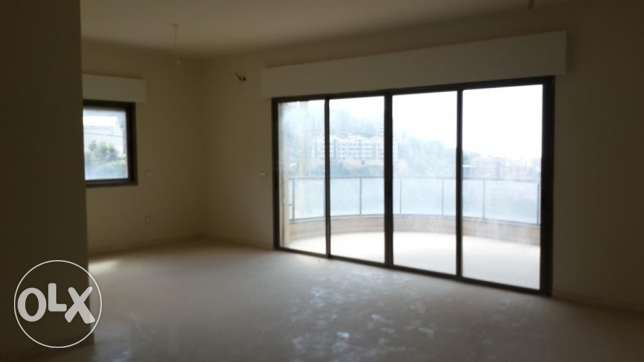 Apartment for sale In Zekrit SKY211