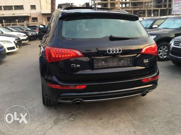 Audi Q5 S Line 2009 Blue Black Top of the Line in Excellent Condition! بوشرية -  4