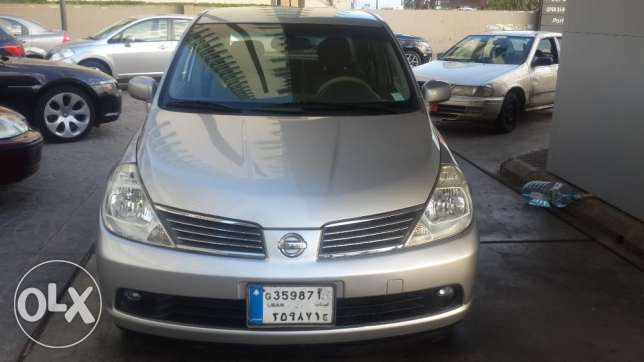 Top Car CRV EX 2005--Sunroof- 4 Wheel راس  بيروت -  2