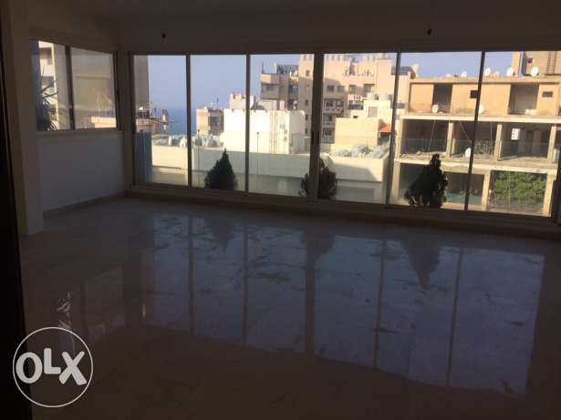 Apartments for sale راس  بيروت -  1
