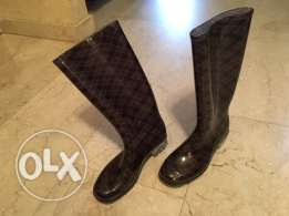 rain or snow boots size 37