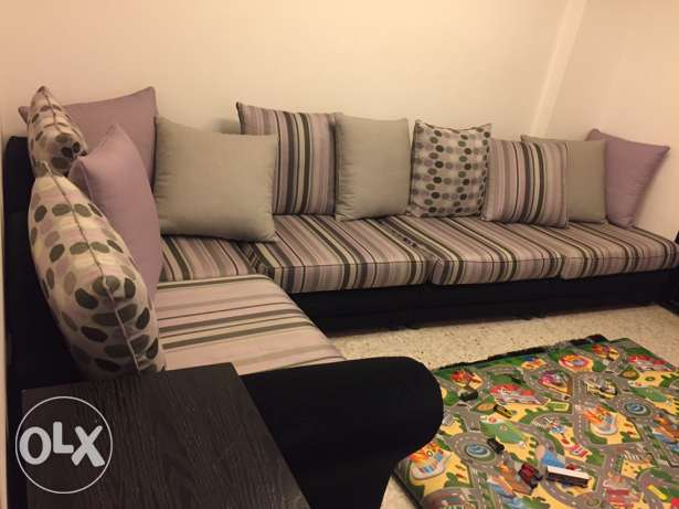 living room for urgent sale خلدة -  2