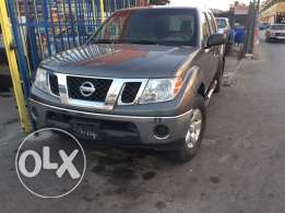 nissan frontier 2009 super clean low mile 4wd se