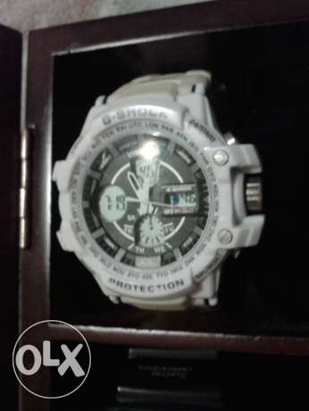 g-shock working white watch used good condition