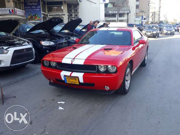 Dodge Challenger 2009 red